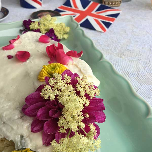 Royal wedding cake photo